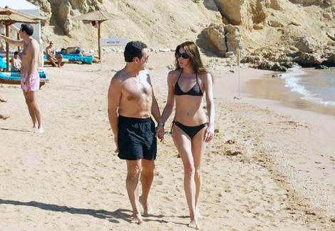sarkozy_bruni_beach