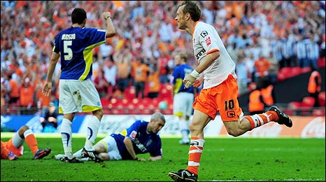 Brett Ormerod, Blackpool FCs number 10 (ten) during the 2010 Coca Cola Championship play off final at Wembley against Cardiff