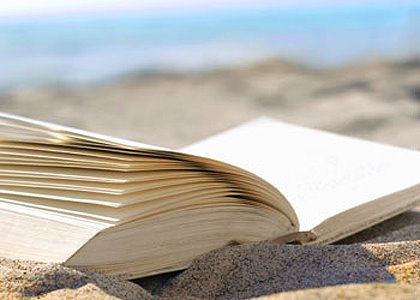 7 Reasons You Should Choose Your Holiday Read Carefully