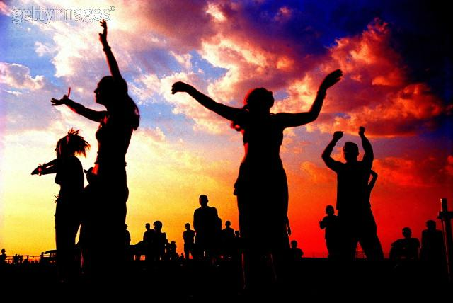 7 Reasons To Have A Music Festival In Your Garden